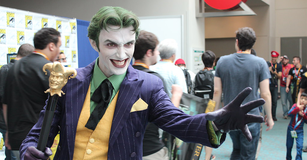 VOSTE Joker Costume Halloween Cosplay Party Outfit Arkham Asylum Suit for Men